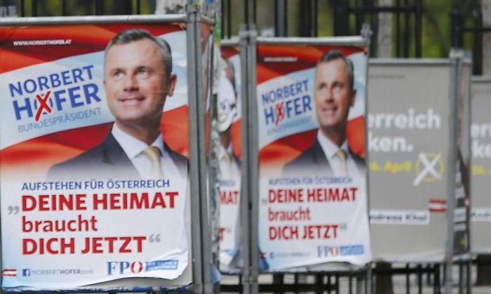 Plakate von Norbert Hofer