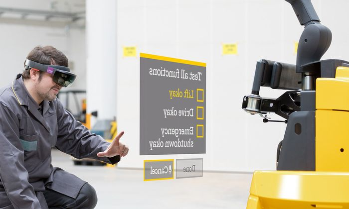 Der Techniker ist virtuell und sitzt auf dem Kopf.
