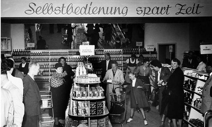 BILDBAND UEBER STADTGESCHICHTE VON LINZ ZWISCHEN 1945 UND 1984