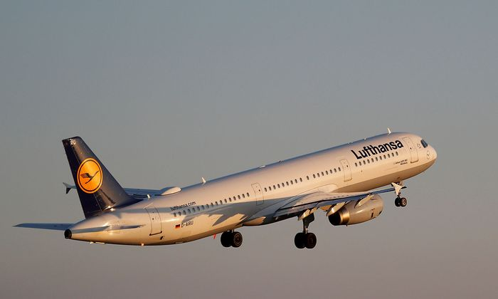 FILE PHOTO: A Lufthansa AIrbus A321 airplane takes off from the airport in Palma de Mallorca