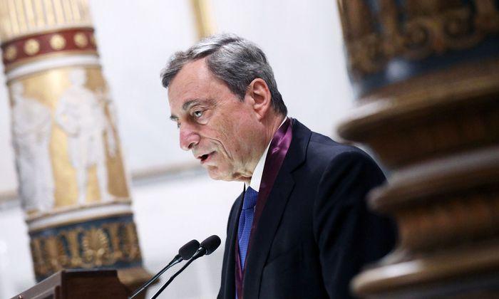 EZB-Präsident Mario Draghi leitet eine letzte Zinssitzung