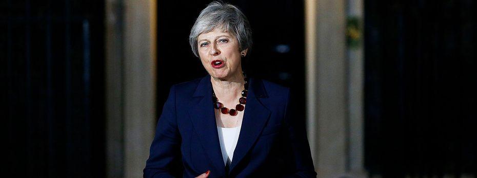 Theresa May teilt die Zustimmung ihrer Regierung mit. / Bild: REUTERS