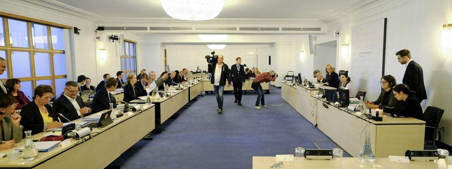 Sitzungssaal, BVT-U-Ausschuss, am 16. Oktober 2018 / Bild: APA/HANS PUNZ