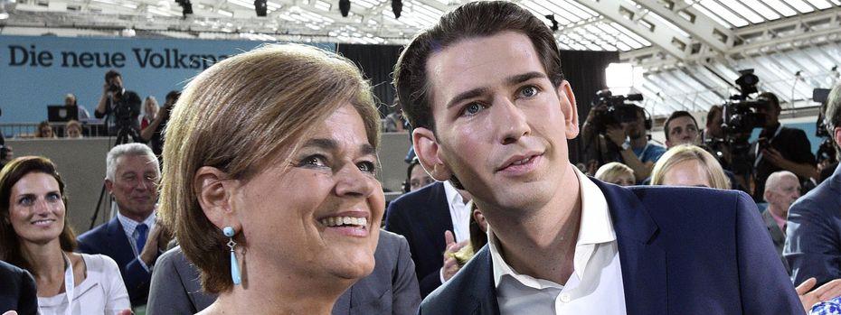 Die mögliche Wirtschaftsministerin Bettina Glatz-Kremsner (ÖVP) und Sebastian Kurz. / Bild: (c) APA (Hans Punz)