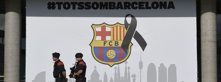 Sicherheitskräfte in Barcelona. / Bild: APA/AFP/LLUIS GENE