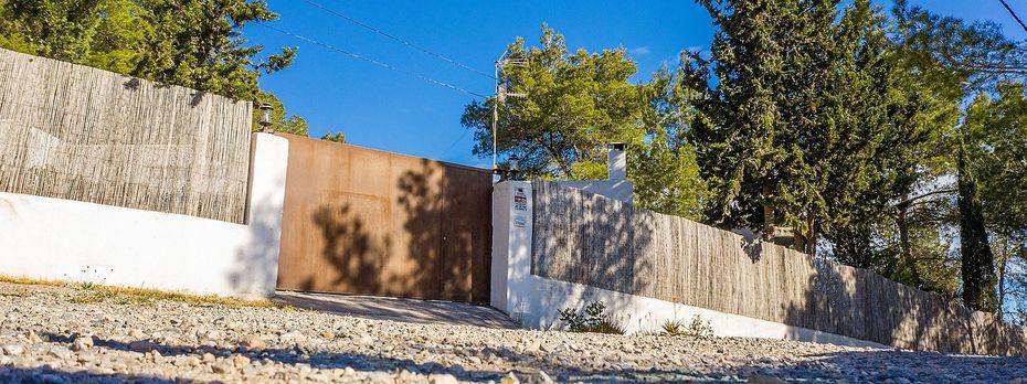 Die Villa auf Ibiza / Bild: imago images / Reichwein