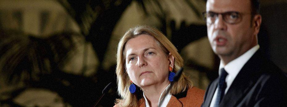 Außenministerin Karin Kneissl mit ihrem italienischen Amtskollegen Angelino Alfano  / Bild: APA/AFP (TIZIANA FABI)