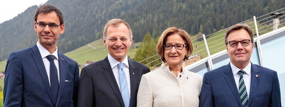V.l.: Markus Wallner, Thomas Stelzer, Johanna Mikl-Leitner und Günther Platter (alle ÖVP) sprachen sich für eine Reform aus. / Bild: (c) APA/EXPA/JOHANN GRODER
