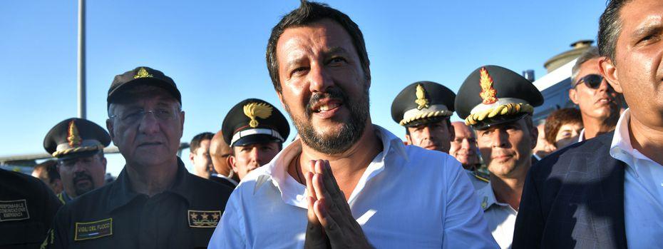 Italiens Vizepremier, Matteo Salvini, hat die Sündenböcke rasch gefunden, nach dem Einsturz der Morandi-Autobahnbrücke in Genua mit über 40 Toten. / Bild: (c) APA/AFP/PIERO CRUCIATTI