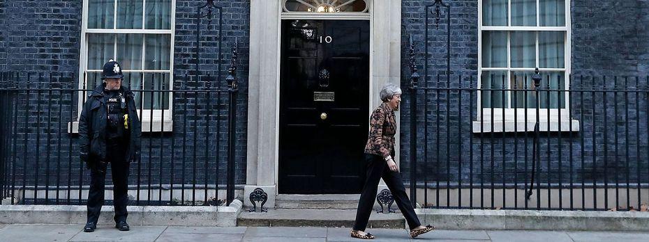 Für Theresa May gibt es kaum Ausweg aus dem Patt im Parlament. / Bild: APA/AFP/ADRIAN DENNIS