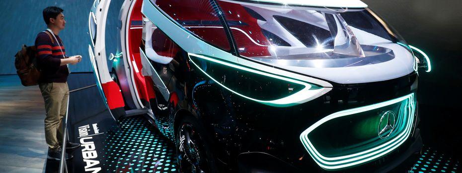"""Bei der diesjährigen CES in Las Vegas zeigte Mercedes seine Vision eines autonom fahrenden Autos (""""Urbanetic""""). / Bild: (c) REUTERS (Steve Marcus)"""