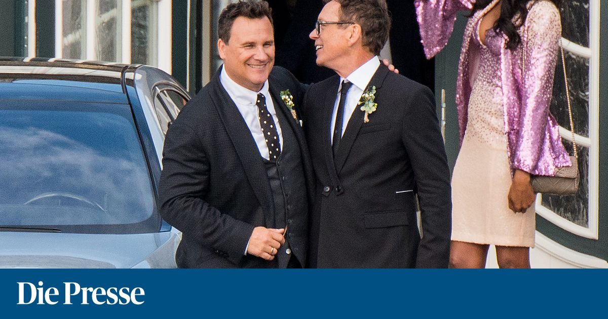 141fbeacb799 Guido Maria Kretschmer  Diese Stars waren auf seiner Hochzeit  Der Designer  und Frank Mutters gaben sich auf Sylt das Ja-Wort