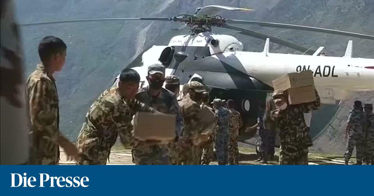 Video Rettungskr Fte In Nepal K Mpfen Sich In D Rfer Vor
