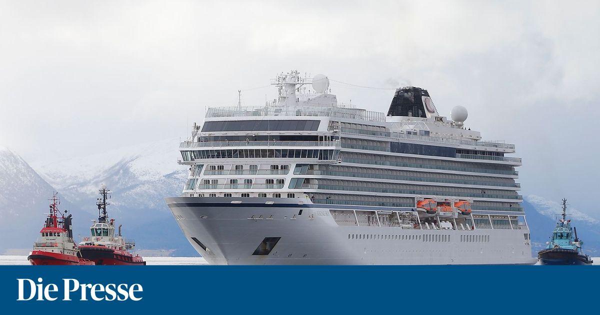 Kreuzfahrtschiff-nach-Seenot-wieder-in-norwegischem-Hafen
