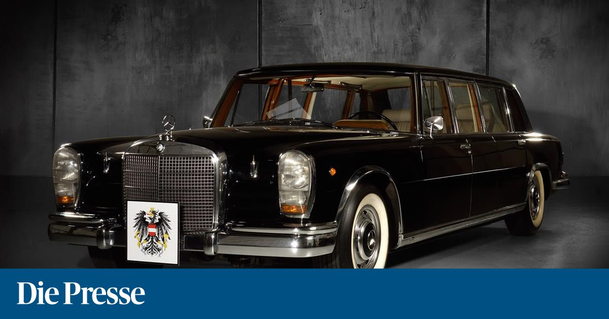Dorotheum Auctioned Old Mercedes Cars Including Former State Coach