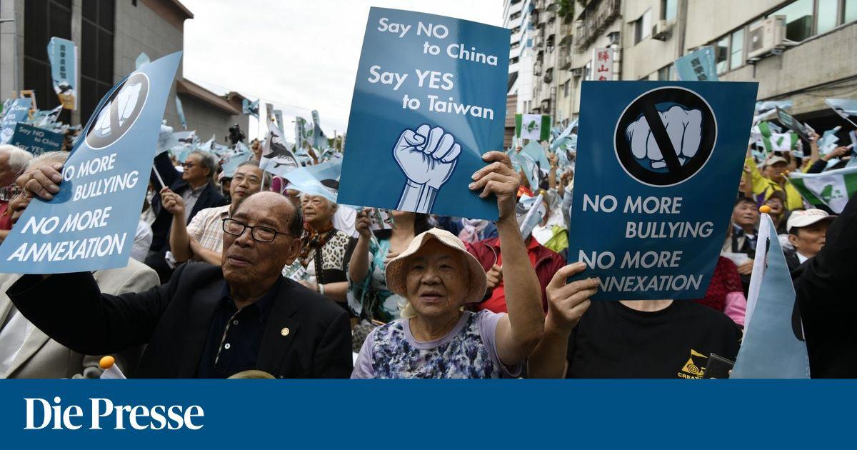 Taiwan: Zehntausende demonstrieren für Unabhängigkeit von China