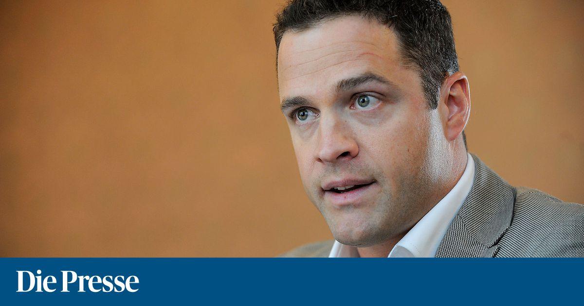 FPÖ-Klubchef Gudenus fordert Ausgehverbot für Asylwerber