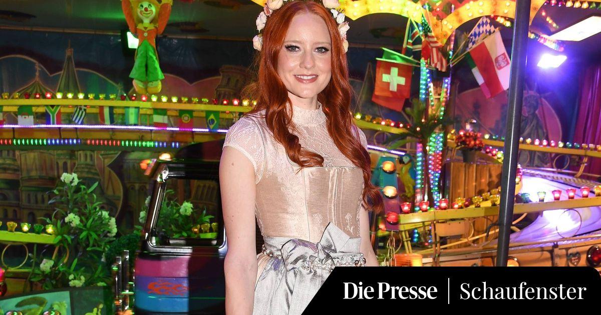 8981d32090351d Barbara Meier im 42.600 Euro-Dirndl auf der Wiesn